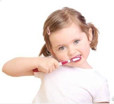 想让宝宝一口白净好牙的最全知识